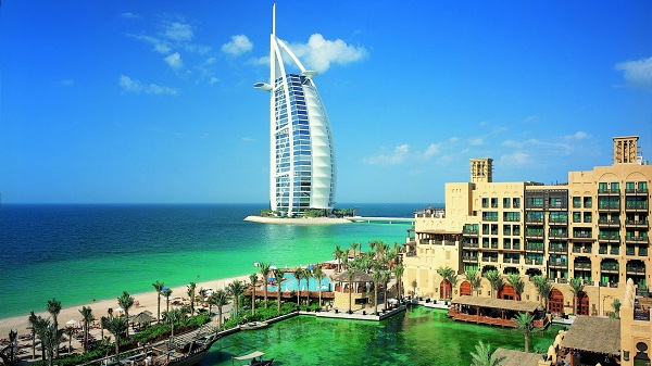 ve-may-bay-di-dubai